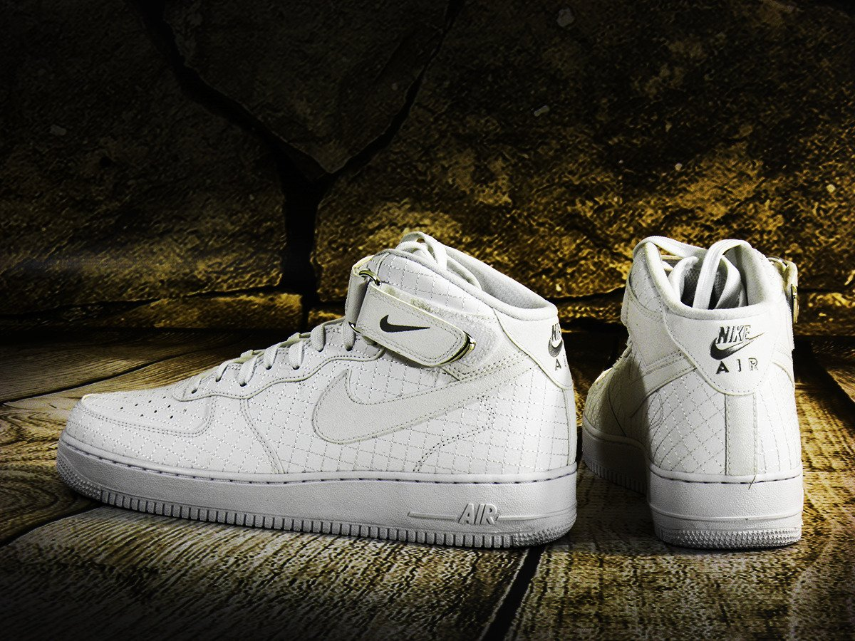 Air Force 1 Mid White Womens