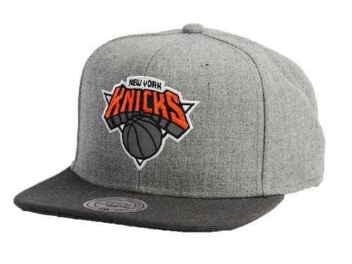 032786b9ba3 Mitchell   Ness Heather Reflective New York Knicks Snapback New York ...
