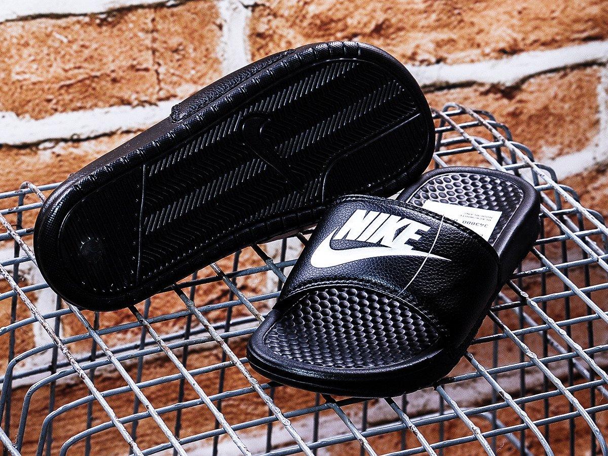 sports shoes 1d7cc 35a12 Nike Benassi Just Do It Flip Flops - 343880-090