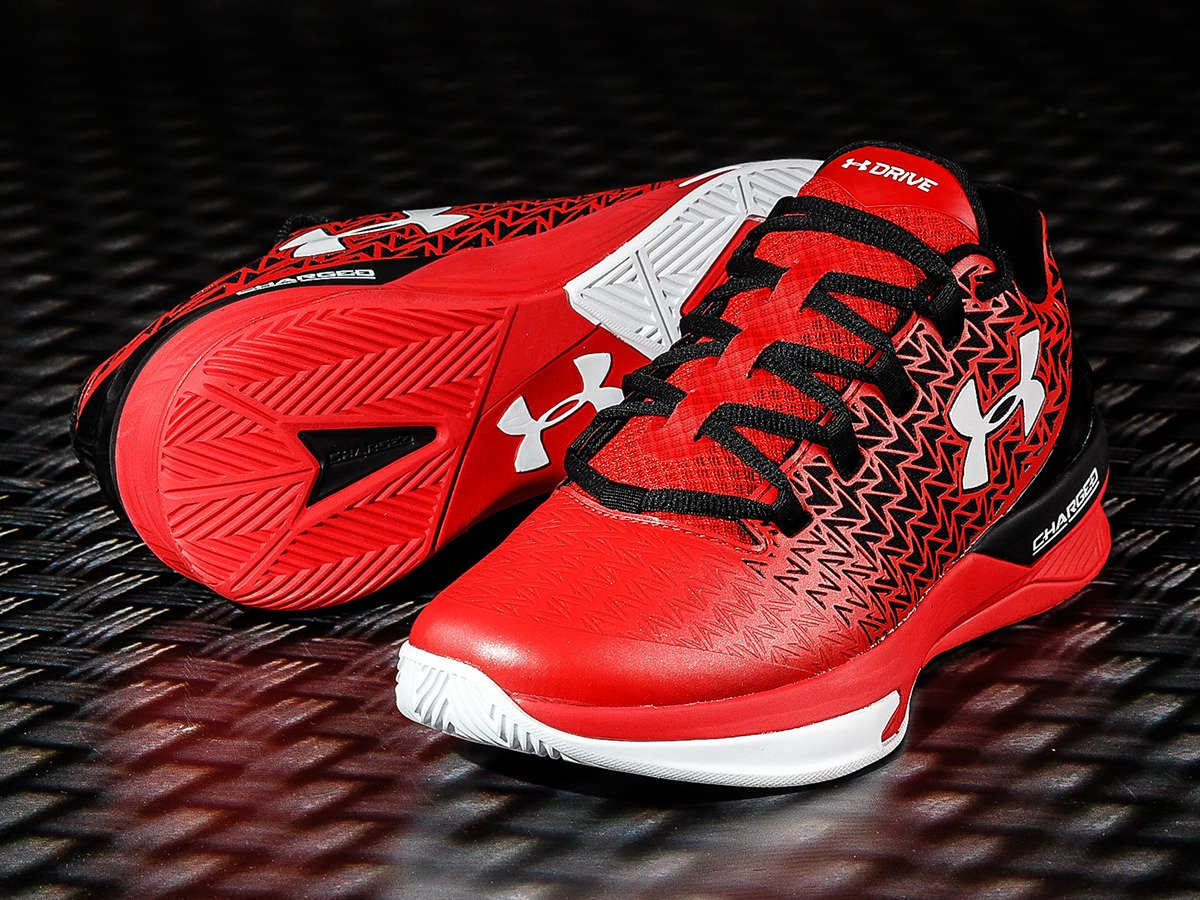 6be6f29f54bb ... Under Armour Clutchfit Drive 3 Low Shoes - 1274422-600 ...